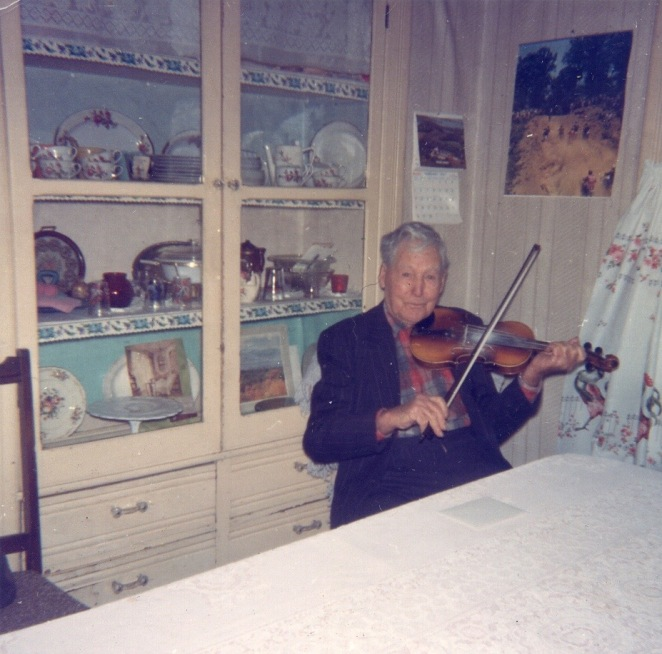 grandpawithfiddle